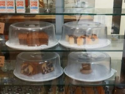 A photograph of 4 cakes.