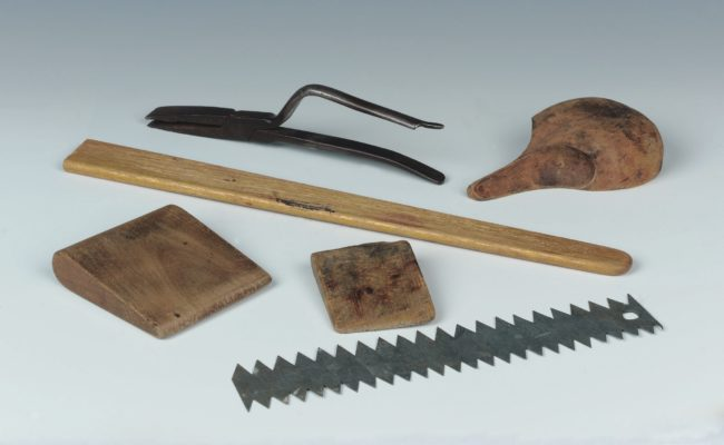 Furrier's hand tools