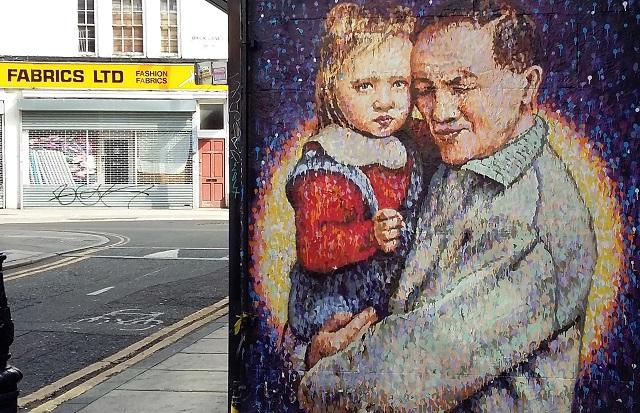 Street photo of a graffiti